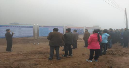 大朝山西镇组织代表视察精准扶贫工作