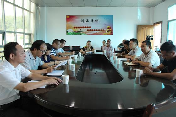 南伞镇:部分县级人大代表评议教育工作