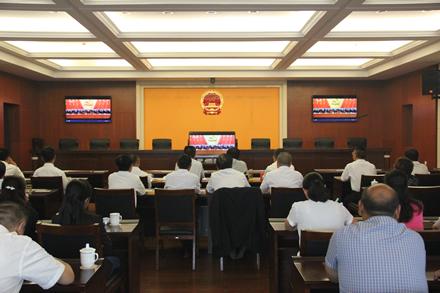 市人大常委会机关干部职工集中收看党的十九大开幕盛况