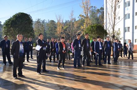 凤庆县人大常委会组织市县人大代表开展集中视察