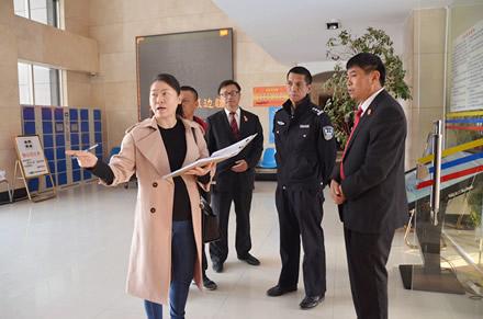 省高级人民法院检查组到凤庆法院检查指导工作