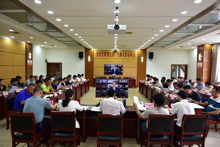 区人大常委会党组理论学习中心组举行集中学习