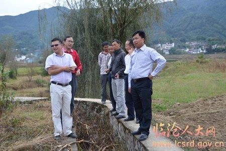 把勐佑镇建设为凤庆县城的卫星